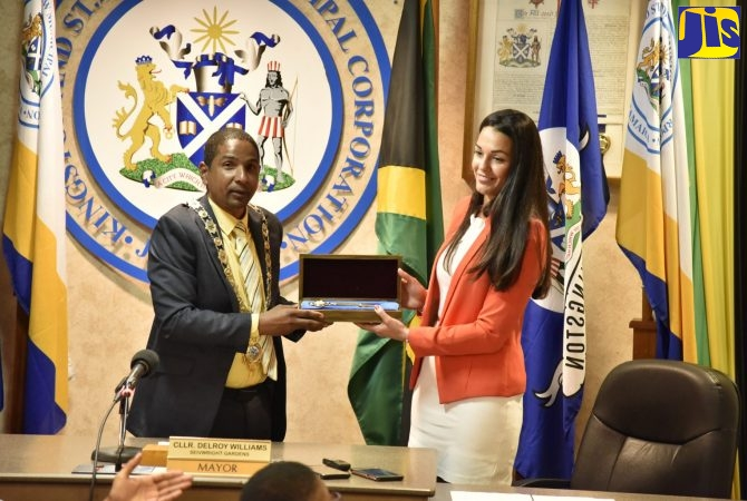 Mayor of Gibraltar Presented with Keys to Kingston - Jamaica