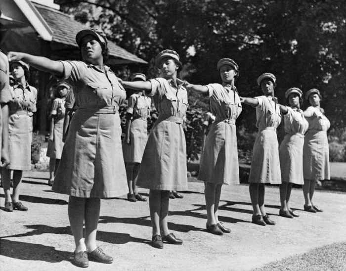 The Auxiliary Territorial Service in Jamaica put on a display on Empire Day in 1944. (Photo courtesy of iwm.org.uk)